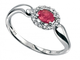 White Gold Oval Ring With Ruby & Diamonds